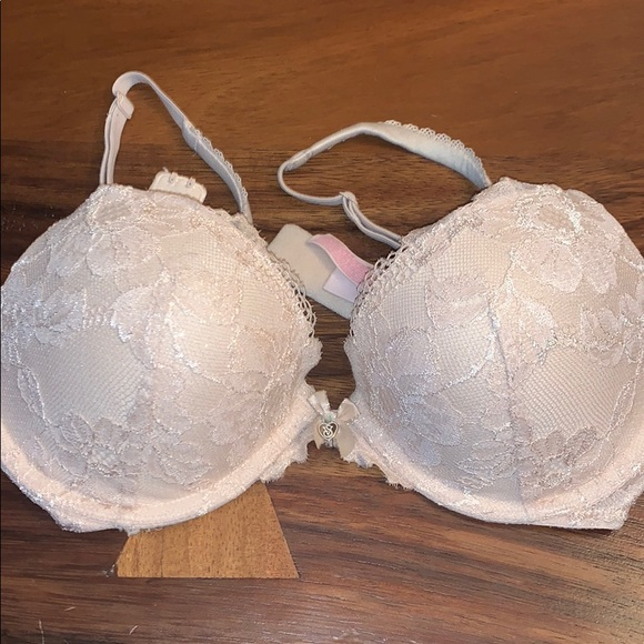 Victoria's Secret Body by Victoria push up bra 32D